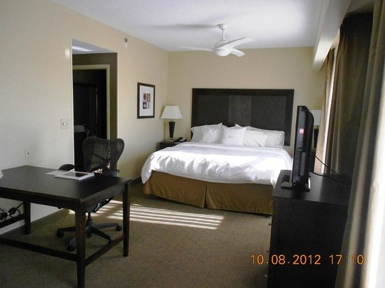 Homewood Suites Louisville East: King Suite