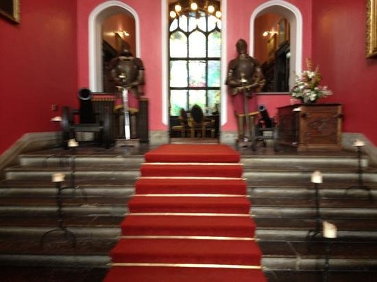 Kinnitty Castle Hotel:                                     hotel entrance