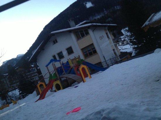 Dolce Casa Family Hotel & SPA:                   Eterno  dell'Hotel  con il suo parchetto giochi per i bimbi
