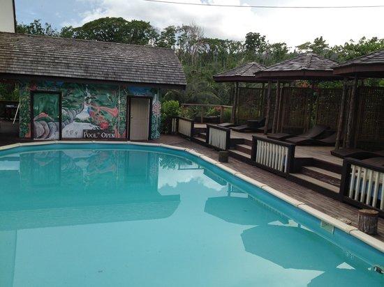 Samoa Tradition Resort:                                     Clean pool