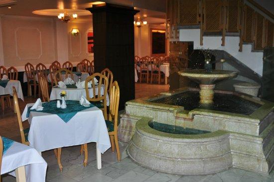 Al Zaitouna : hotel restaurent