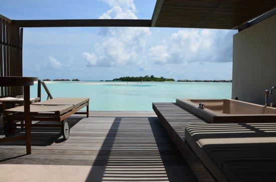 Paradise Island Resort & Spa:                   Wasservilla