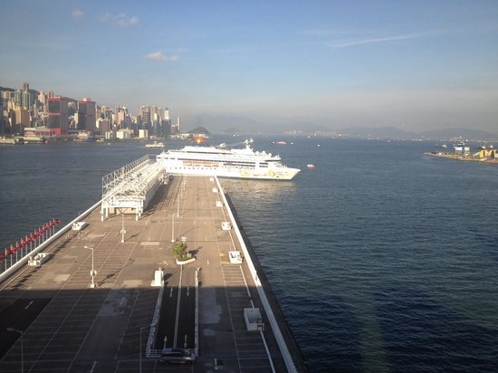 Marco Polo Hongkong Hotel:                   View from room window