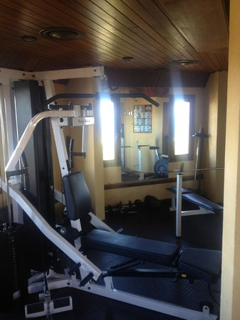 Hotel L'Auberge: Fitnessstudio