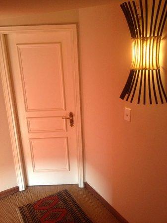 Hotel L'Auberge: Flur