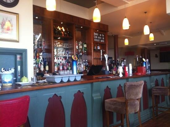 Crown and Anchor: bar