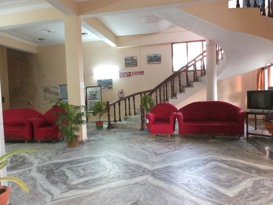 Hotel Opera :                   entrance