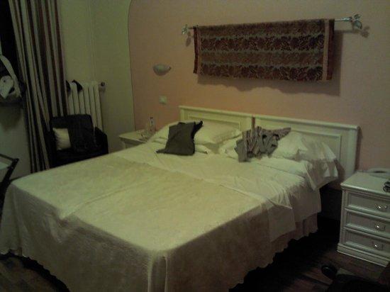 Hotel Marchionni :                   la camera
