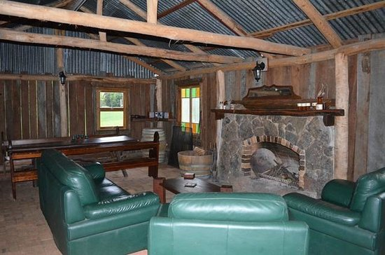 Pioneer Hut Picture Of Diamondvale Cottages Stanthorpe