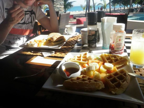 Front Loop Cabarete :                                     Panini and waffles for breakfast