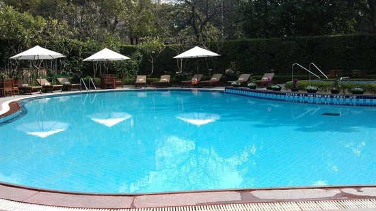 Shangri-La's Eros Hotel: Pool