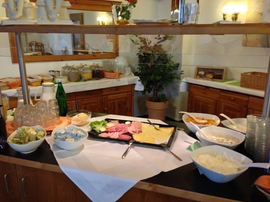 Gaestehaus Edelweiss: Frühstück