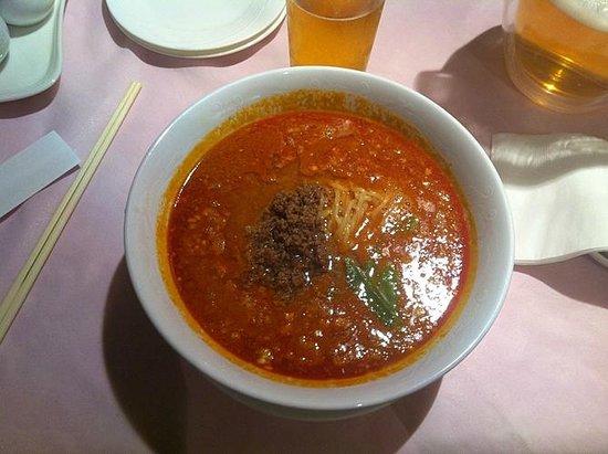 Hotel Sun Rural Ogata:                   一階の中華料理レストランの坦々麺