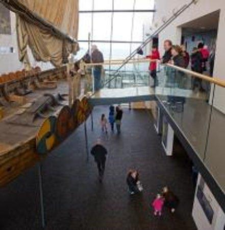 Keflavik, Islandia: Vikingship Islendingur (Icelander)