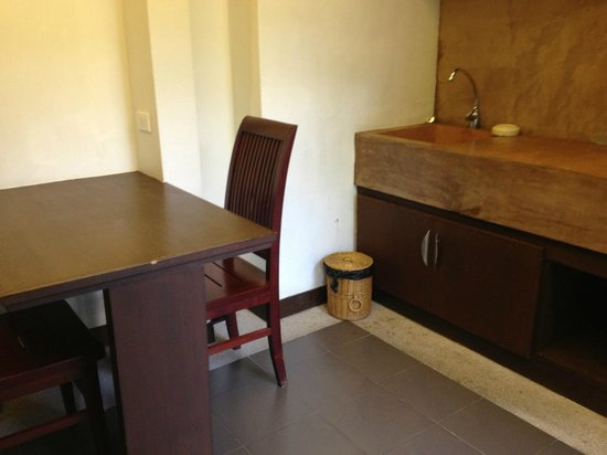 Samui Heritage Resort: Kitchen of room 103