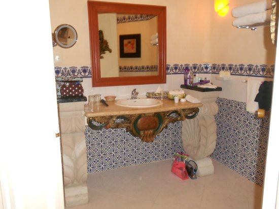 Gran Porto Resort:                                     Grand Porto bathroom