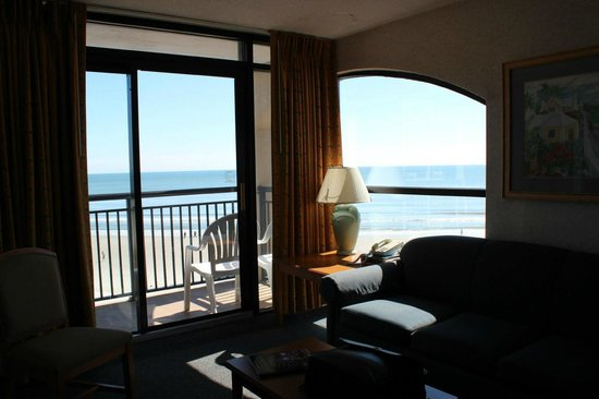 Beach Cove Resort:                   Executive 1 BR Corner Unit, Tower B