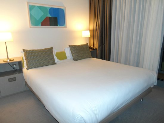 The Gibson Hotel: Lovely big comfy bed
