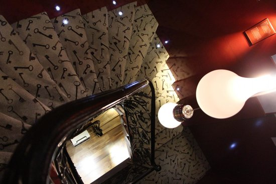 Hôtel Design Secret de Paris: The interesting stairway