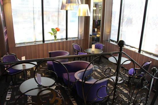 Hotel Design Secret de Paris: Dining area on ground floor