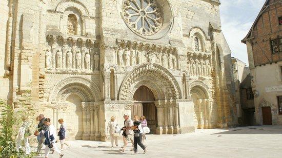 Office de Tourisme du Pays Thouarsais: l'église St Médard de Thouars