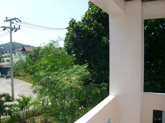 Choeng Mon Beach Hotel and Spa : vue arrière de la coursive