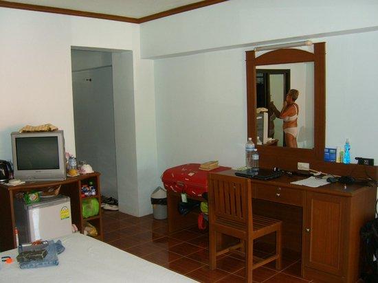Choeng Mon Beach Hotel and Spa : chambre l'entée