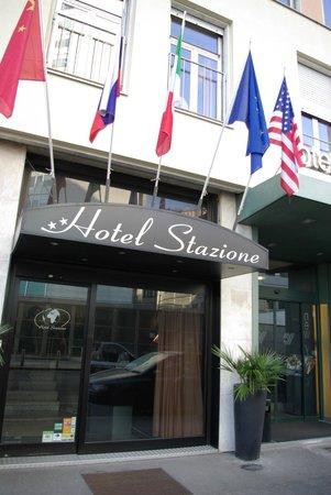 Hotel Stazione:                   Street view.