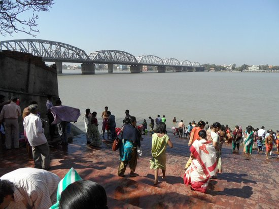 Walks of India Day Tours:                   ganges