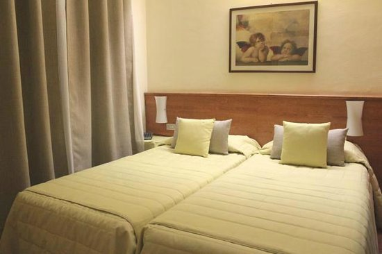 Hotel Bernina : Twin Room