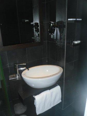 Best Western Cinemusic Hotel:                   Notre salle de bain