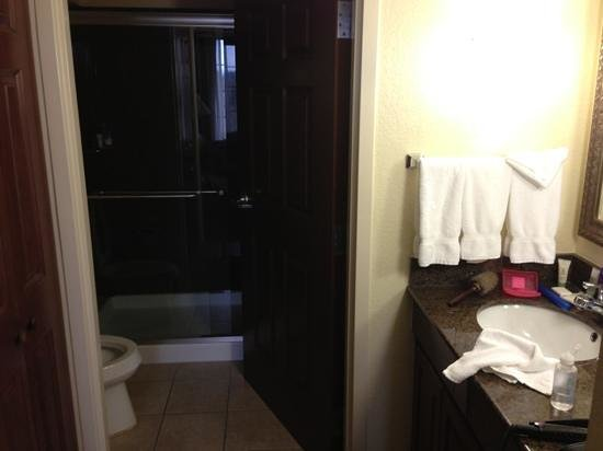 Staybridge Suites Hot Springs: bathroom