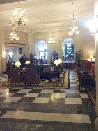 Hotel Le Plaza :                   Recepcion