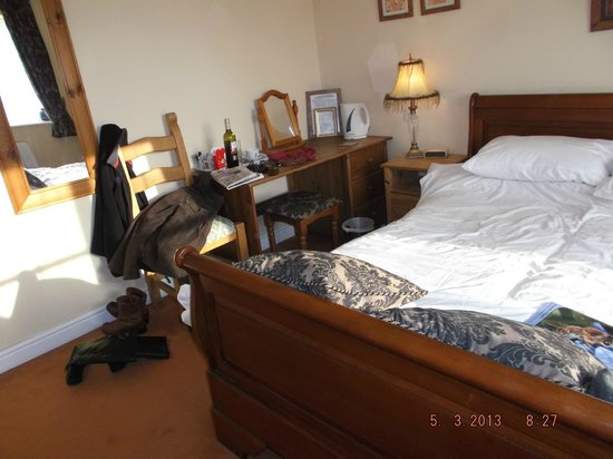 The Crown At Hopton:                                     nice size room