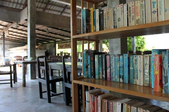 Chaw Ka Cher Tropicana Lanta Resort: salle a manger