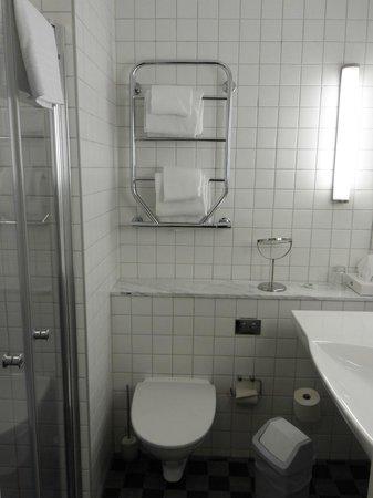 Badrum badrum litet : Litet badrum - Bild från BEST WESTERN PLUS Kalmarsund Hotell ...