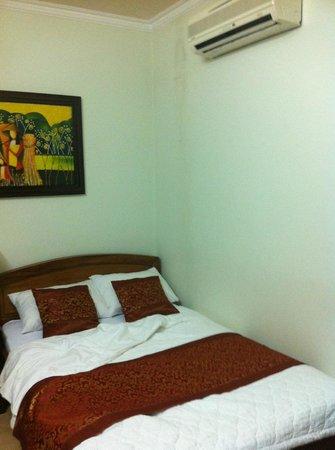 Bich Duyen Hotel:                   Room