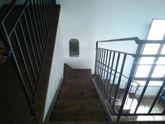 Residenza d'Epoca Pietra di Ponente:                   interno camera 3