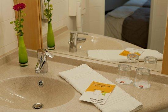 Ibis Bratislava Centrum: Bathroom