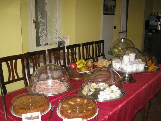 Agriturismo La Piazza: Buffet colazione