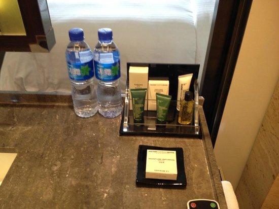 Hilton Beijing Wangfujing:                   Bathroom
