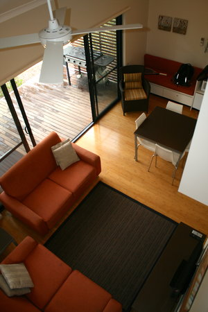 Footprints: Downstairs lounge/dining/kitchenette