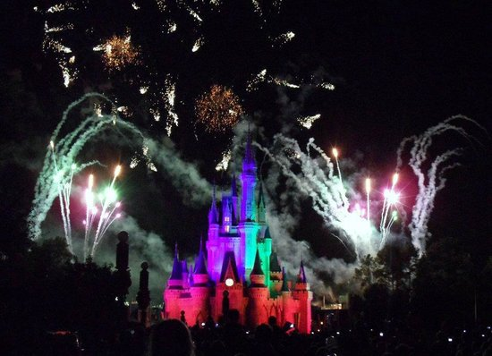 Rosen Inn at Pointe Orlando:                   Halloween fireworks at the Magic Kingdom