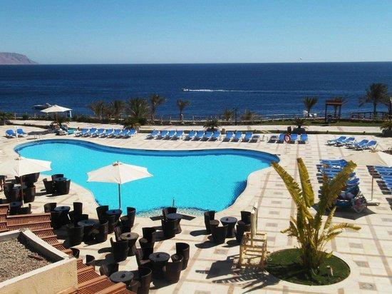 Island Garden Resort:                   Бассейн возле пляжа в 5ке