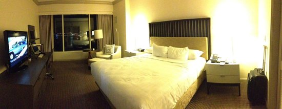 Grand Hyatt Tampa Bay: Bedroom in Suite #1210