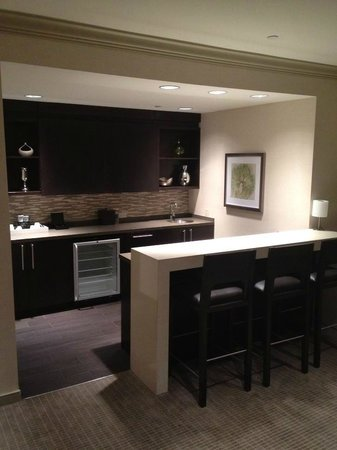 Grand Hyatt Tampa Bay: Kitchen in Suite #1210