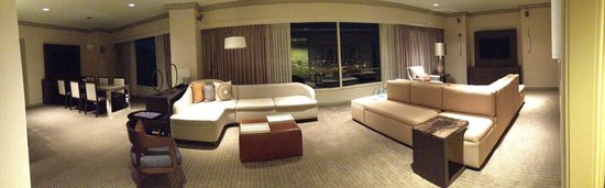 Grand Hyatt Tampa Bay: Dining Room & Living Room in Suite #1210