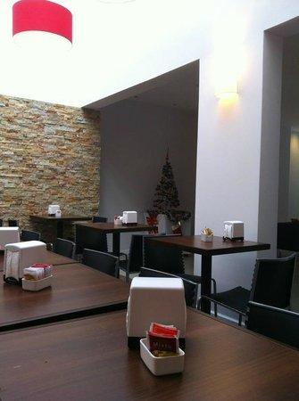 Hotel California:                   Café da Manhã