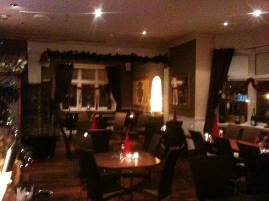 Manor Park Hotel: dining