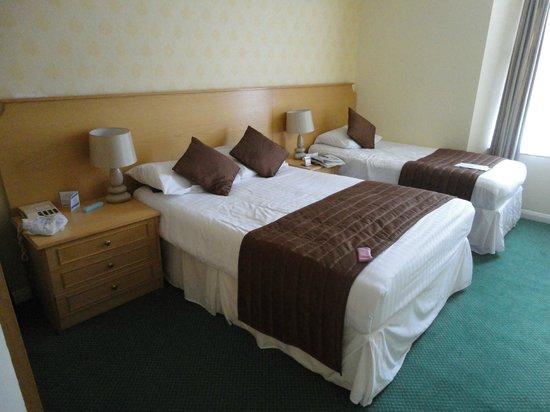 TLH Carlton Hotel:                   Bedroom